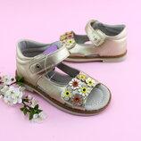 Босоножки для девочки в золотом цвете с цветочками
