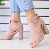 Замшевые босоножки цвет пудра на каблуке