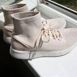 Красивые женские кроссовки Claudia Ghizzani 39 размер