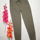 Трикотажные стрейчевые спортивные брюки хаки с манжетами TU.