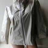 Laurel укороченный лаковый жакет, куртка. Escada