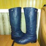 Оригинальные, кожаные. фирменные сапоги р-р 40 производитель Италия.