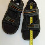 Кожаные босоножки сандалии Clarks р 33 1 UK, стелька 21,9 см-вся длина, в отличном состоянии
