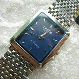 Часы кварцевые LAROS известный японский брэнд, произведено в Гонконге , в коллекцию,2001 года