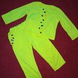 Гламурный неоновый спортивный костюм