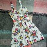 Летнее короткое коктейльное платье 42/S cameo rose в цветочный принт нарядное бюстье фактурное