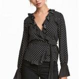 Оригинальная блузка с оборками бренда H&M разм. 36