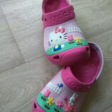 Кроксы Crocs Hello Kitty 22см, 2J