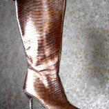 Золотистые кожаные сапоги р.38 Италия