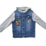 Трикотажная джинсовая куртка с нашивками на мальчика 3-5 лет