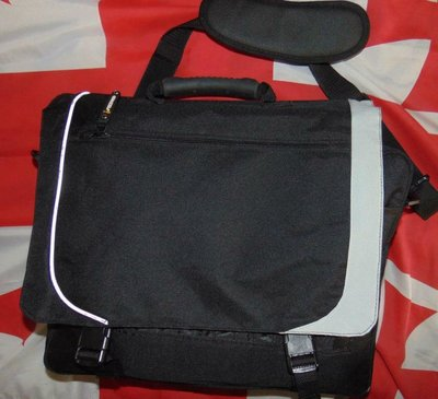Новая стильная фирменная мужская сумочка сумка портфель .Grizzly