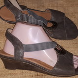 39р-25.5 кожа босоножки Remonte состояние новых на широкую каблук 4 см ширина стельки 9 см
