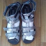 Новые босоножки сандалии ессо 40р