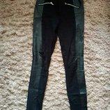 Стильные брюки с широким лампасом из кожи