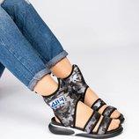 Спортивные высокие сандалии