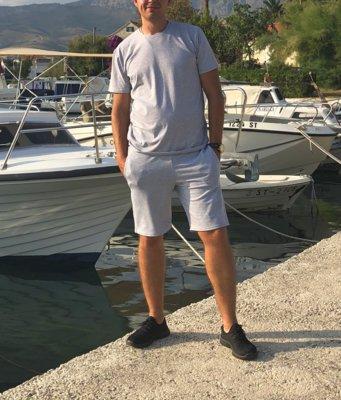 Костюм мужской футболка шорты светло-серый