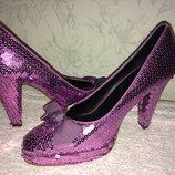Брендовые туфли в паетках новые на выпускной вечер