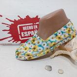 мокасины в ромашку, красивые, удобные, обувь лёгкая. качественные. Испания