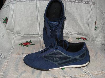 Кроссовки синего цвета demix р.36,стелька-22-23см.,натур.замш.