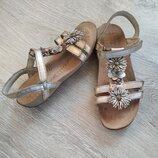 Кожаные босоножки,фирменные сандалии Clarks Air..