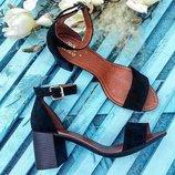 Элегантные кожаные босоножки на устойчивом каблуке Разные Цвета
