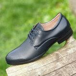 Мужские летние туфли кожаные модельные на шнурках в дырочку черные