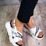Женские белые босоножки Versace кожаные