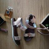 Босоножки французского бренда eram розовое золото