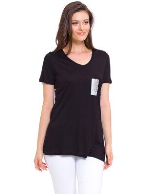 Черная женская футболка Lc Waikiki / Лс Вайкики с серебристой вставкой и ажурным карманом на груди