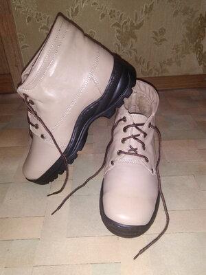Ботинки новые тёплые р.42, нутур.кожа
