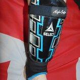 Спортивние фирменние защитние щитки Select. м-л-хл