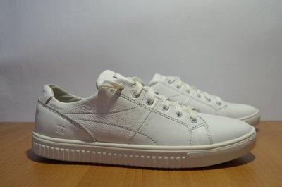 Белые кожаные кеды фирмы Ed-Ge.