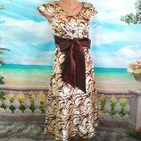 Атласное красивое платье с бантом 44-46р