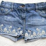 джинсовые шорты F&F на 6-8 лет.