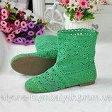 Зелёные короткие сапожки