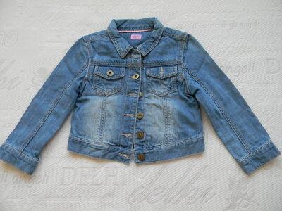джинсовая курточка F&F на 4-5 лет.