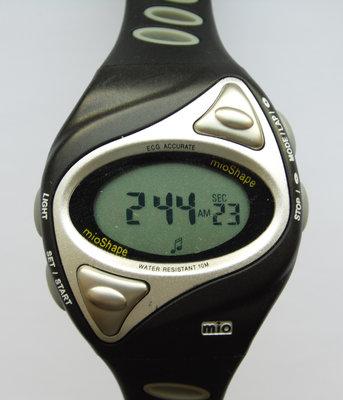 Mio Shape часы из сша с пульсометром и счетчиком калорий