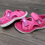 Сандалии босоножки clarks pink 21-22 размер