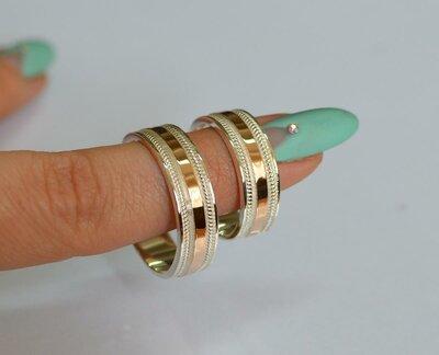 Обручальное кольцо из серебра с золотом обр22