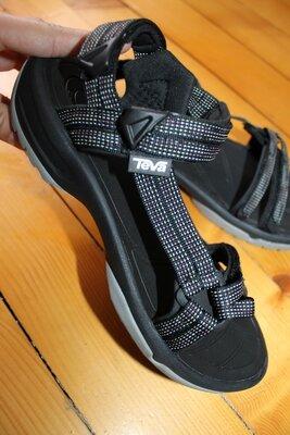 40 разм. Оригинал сандалии Teva. Состояние новых длина по внутренней стельке - 26,5 см. замер от кра