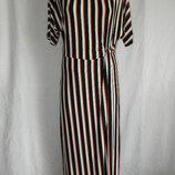 Стильное новое трикотажное платье warehouse 12p