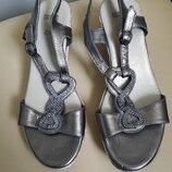 37 p. M&S кожаные стильные босоножки сандалии , Италия