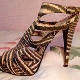 Босоножки, туфли размер 37 фирмы Gordeous, б/у