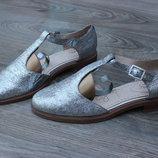 Туфли серебристые сандалии clarks 39 размер