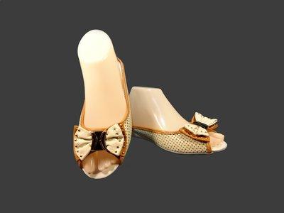 Шлепанцы женские кожаные с перфорацией. Размер 36-40.
