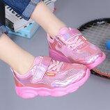 Модные кроссовки , дышащие