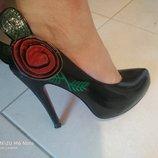 Кожаные туфли Max Maroa