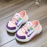 Модные кроссовки для манюнь