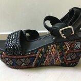 Продам босоножки Buffalo Shoes