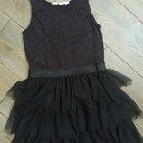 Шикарное платье H&M 134-140см в идеальном состоянии